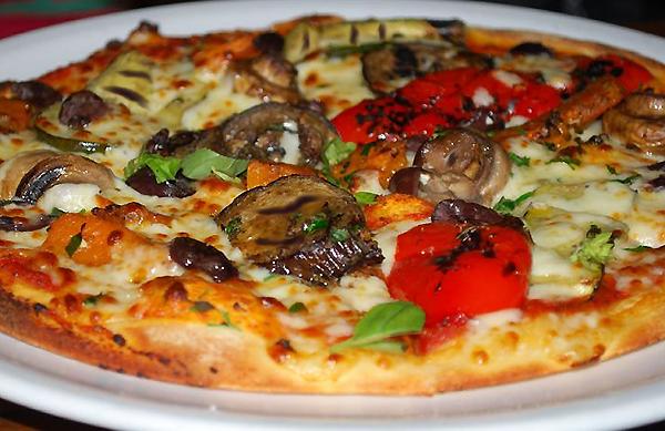 Pizza piccante alle verdure grigliate